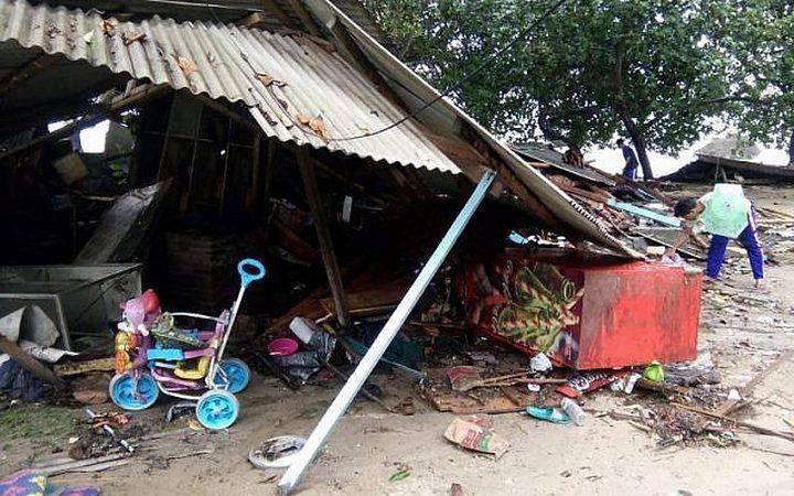 ارتفاع عدد قتلى تسونامي أندونيسيا إلى 168