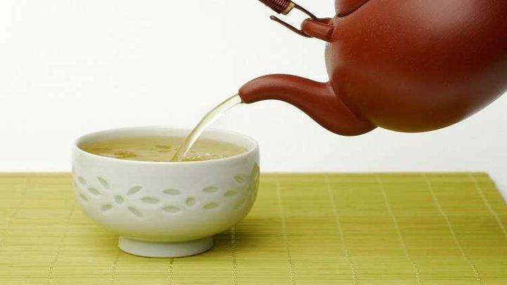 التأثيرات الإيجابية والسلبية للشاي الأخضر على الصحة