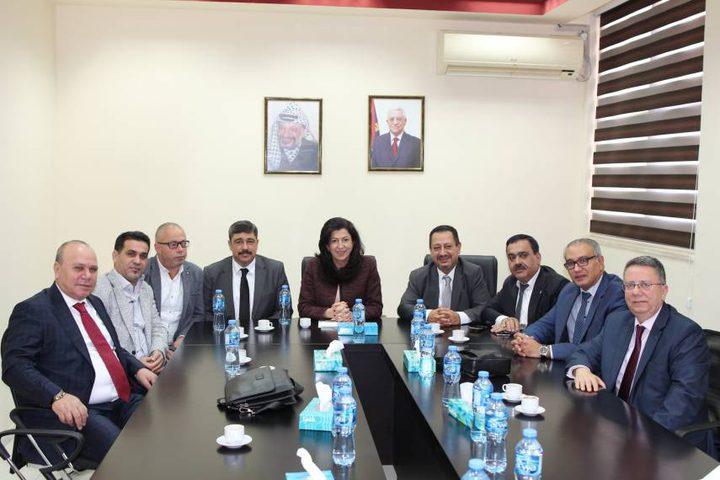 عودة تبحث مع وفد رجال أعمال أتراك من أصول فلسطينية الاستثمار