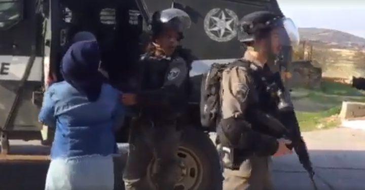 الاحتلال يحتجز ثلاث طالبات من مدرسة بيتونيا الأساسية