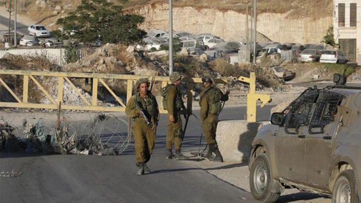 الاحتلال يعيق حركة المواطنين شمال الخليل