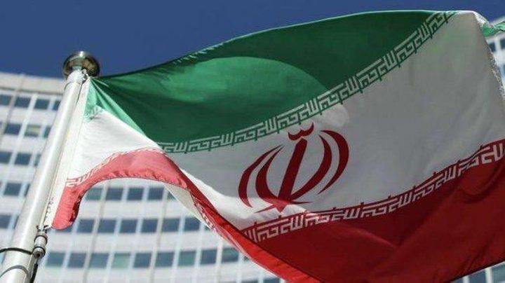 إيران تخفض موازنة الجيش والحرس الثوري والباسيج إلى النصف