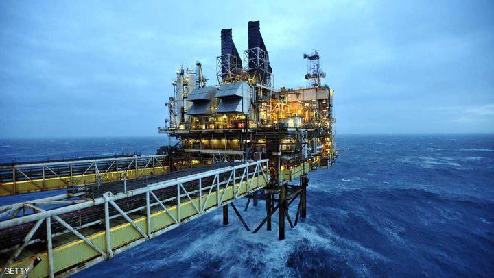 النفط يهبط 6 بالمئة.. ومخاوف من تباطؤ بالاقتصاد العالمي