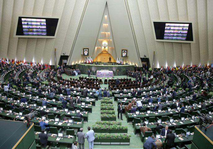 روحاني : يكشف عن ميزانية إيران للعام الجديد بعد العقوبات