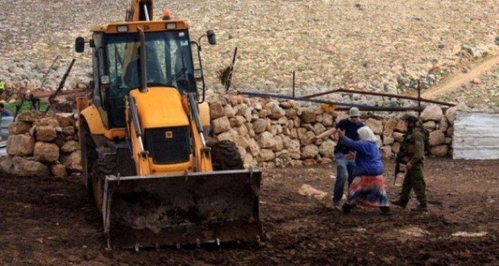 الاحتلال يشرع بتجريف 70 دونما من أراضي اماتين