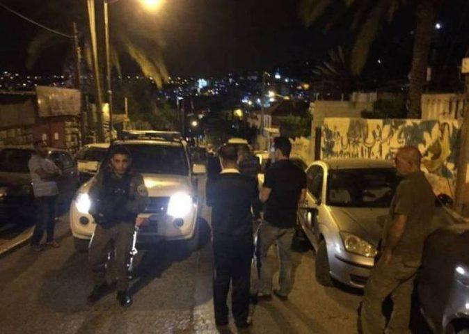 مستوطنون يعتدون على مركبات وممتلكات المواطنين شمال نابلس
