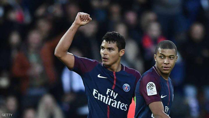 لاعبو باريس سان جرمان في مرمى اللصوص