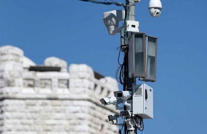 الاحتلال ينصب كاميرات مراقبة في عدة مناطق بالخليل