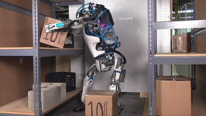 السعودية توظف أول روبوت في قطاعها الحكومي