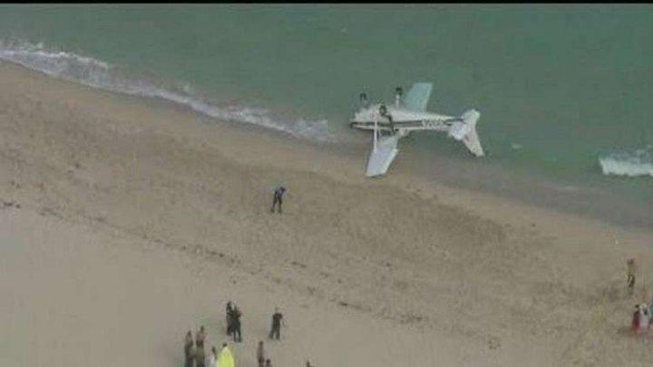 فيديو: تحطم طائرة على شاطئ في الولايات المتحدة