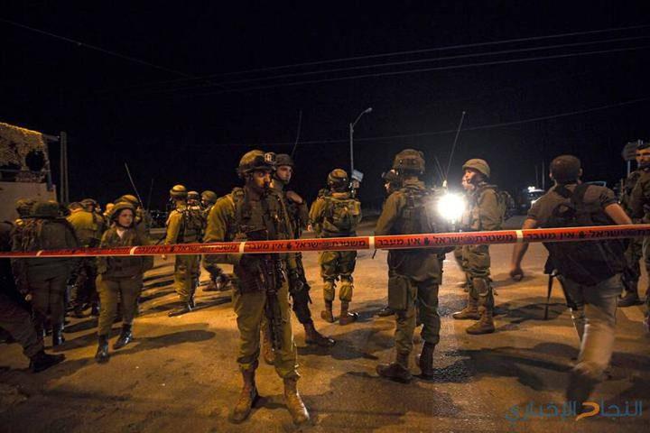 الاحتلال يجرف أراضي ويغلق طرقا في نابلس