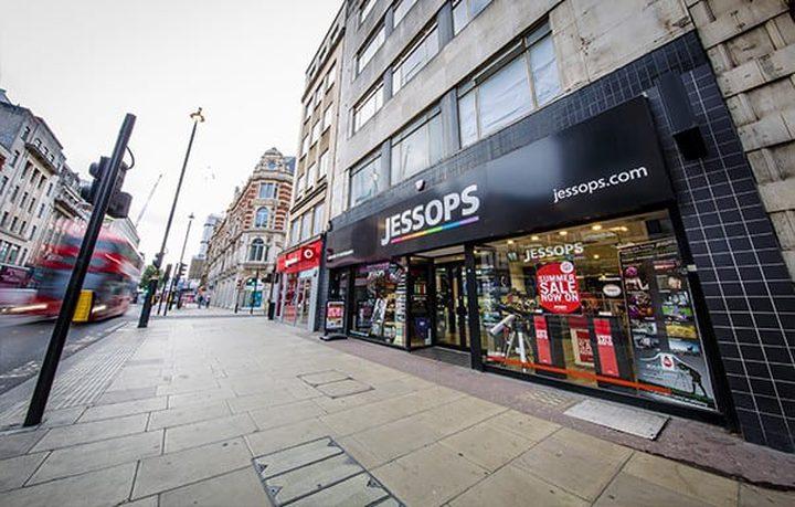 """""""رعب السكين"""" يجتاح مركزا شهيرا للتسوق في لندن"""