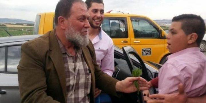 الاحتلال يمدد اعتقال عمر البرغوثي ونجله مجددا