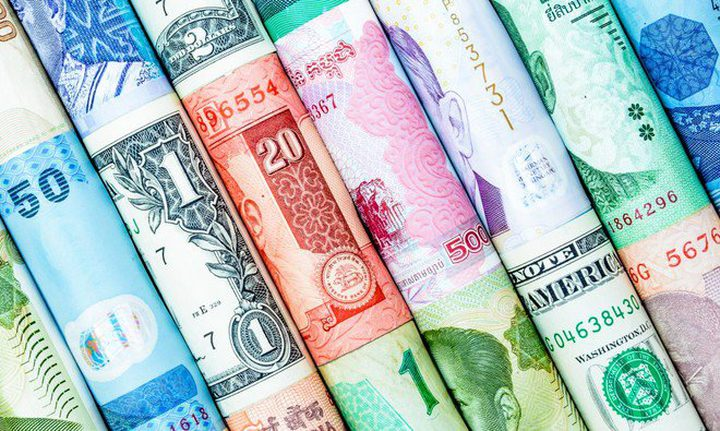 الدولار الاسترالي يقود خسائر عملات السلع الأولية