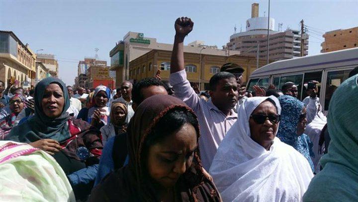 استمرار احتجاجات السودان لليوم العاشر على التوالي