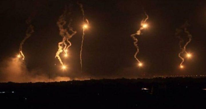 الاحتلال يطلق قنابل إضاءة شمال قطاع غزة