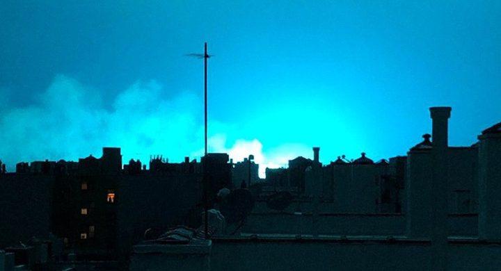 الكشف عن سبب تحول سماء نيويورك إلى اللون الأزرق