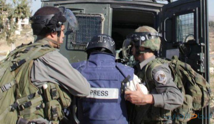 الإعلام: 19 صحفياً فلسطينياً في سجون الاحتلال