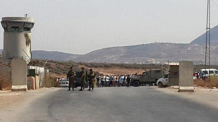 الاحتلال يعيق حركة المواطنين على حاجز بيت فوريك شرق نابلس