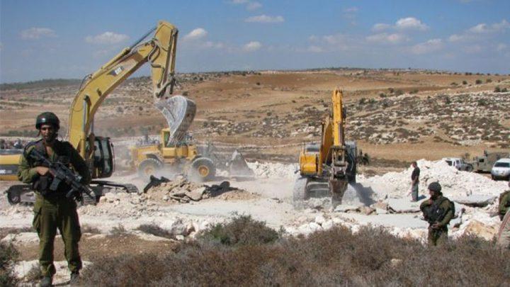 الاحتلال يجرف أراضي في قرية ظهر المالح جنوب غرب جنين