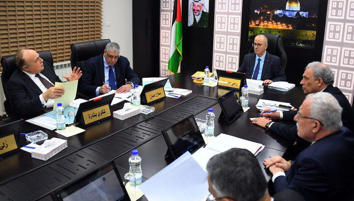 رئيس الوزراء يقرر إعادة ترميم تلفزيون فلسطين في قطاع غزة