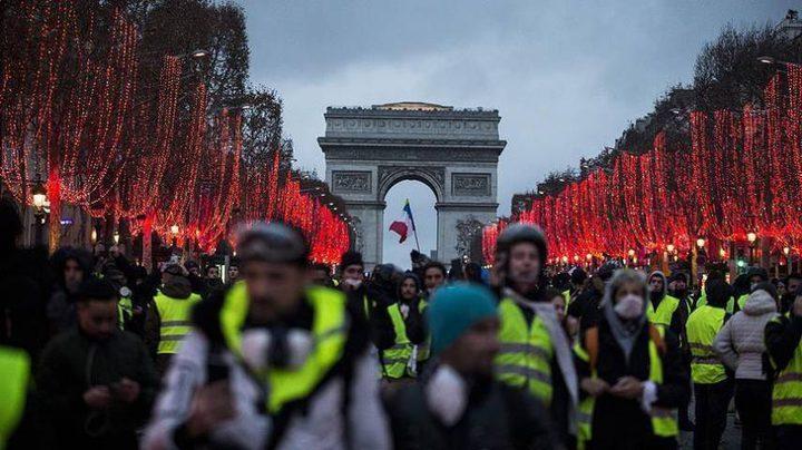 """الحكومة الفرنسية تتهم """"السترات الصفراء"""" بالسعي لإسقاطها"""
