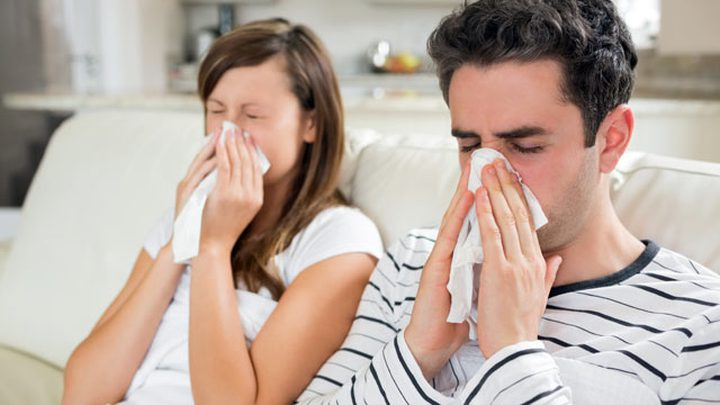 أعراض الزكام عند الكبار وعوامل الخطر