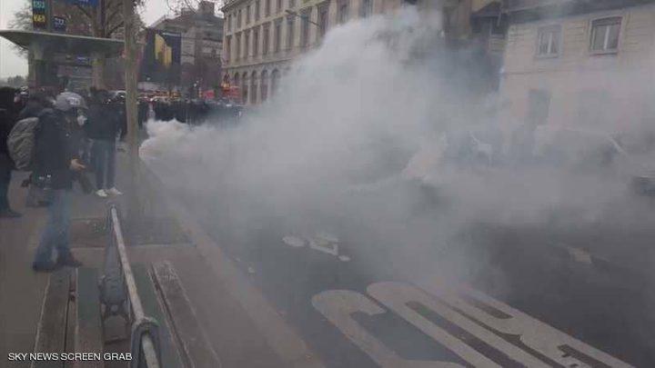 """اشتباكات بين محتجي """"السترات الصفراء"""" والشرطة الفرنسية"""