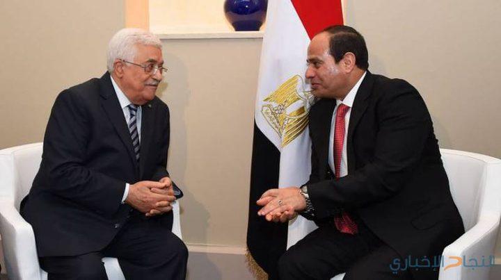 الرئيس عباس يجتمع مع نظيره المصري