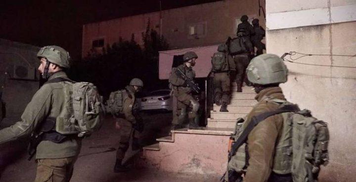 الاحتلال يهدد عائلة البرغوثي بالإبعاد إلى أريحا