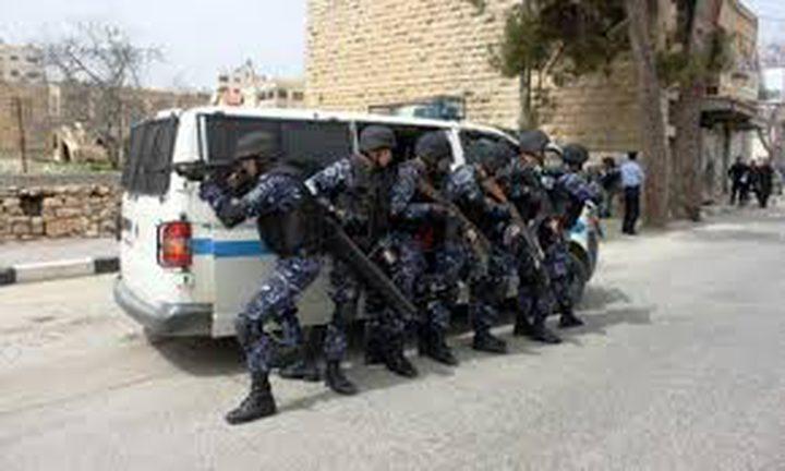 الشرطة تحبط تهريب 60 قطعة ذهبية أثرية بأريحا