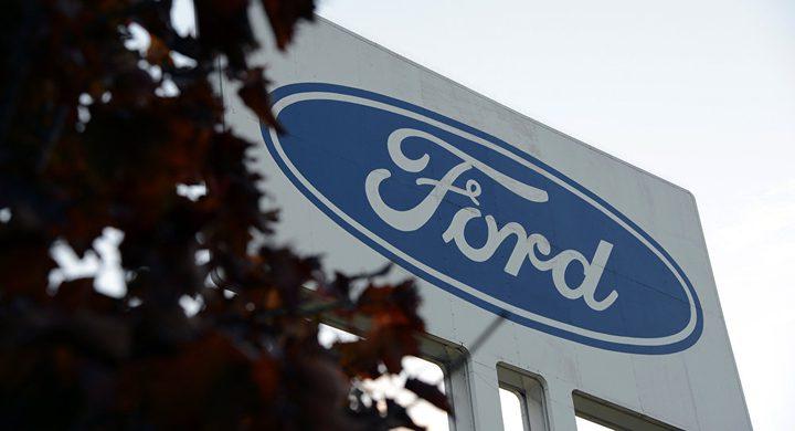 """خطر مميت يدفع """"فورد"""" لاستدعاء نحو مليون سيارة"""