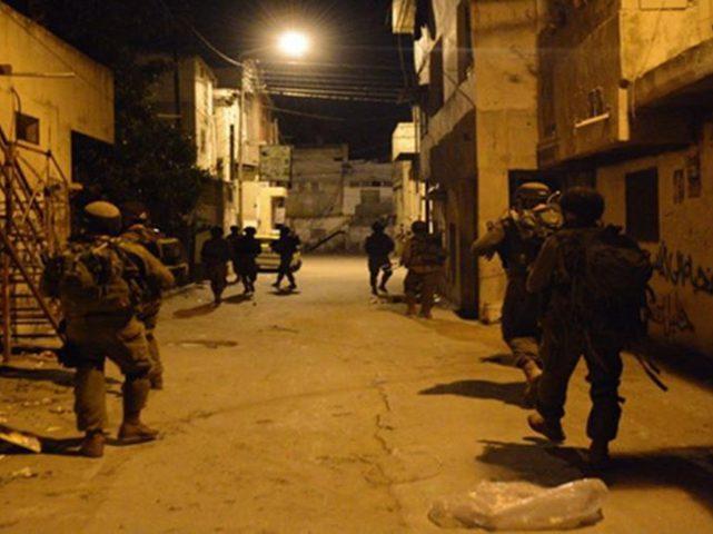 الاحتلال يستهدف منازل المواطنين بقنابل الغاز غرب جنين