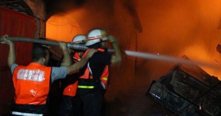 اخماد حريق بمنزل في بلدة اليامون غرب جنين