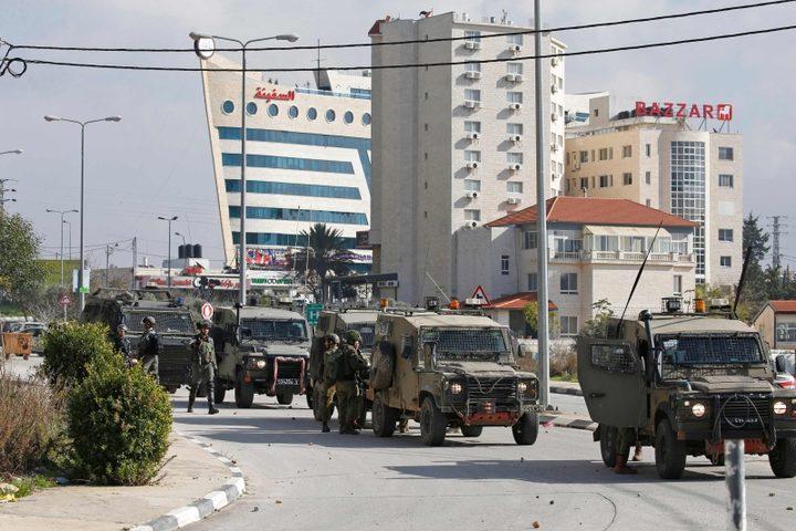 الاحتلال يقتحم عدة أحياء في رام الله والبيرة