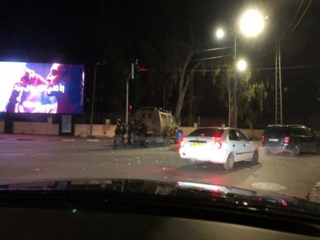 5 إصابات خلال مواجهات مستمرة في حي الماصيون برام الله