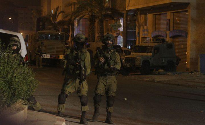 الاحتلال يعتقل مسنا بعد ضربه من قبل مستوطنين جنوب الخليل