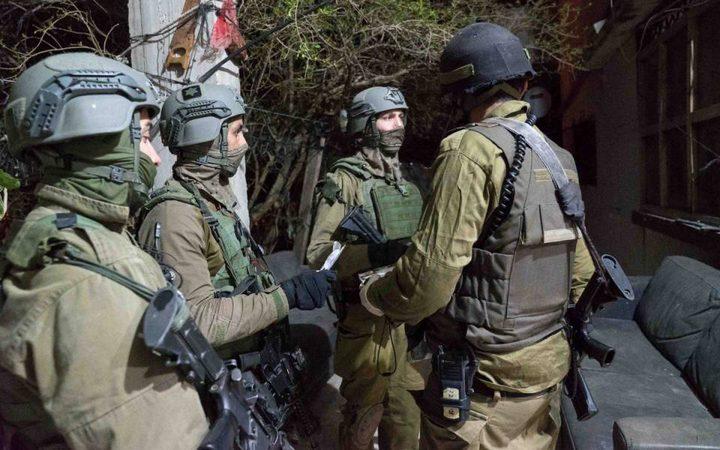الاحتلال يعتقل مسنا بعد الاعتداء عليه من قبل المستوطنين