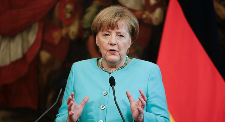 ميركل: ألمانيا تتحمل مسؤولة الجرائم النازية باليونان