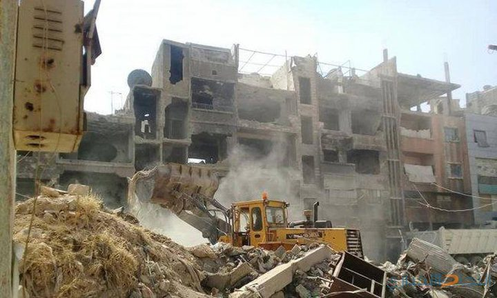 الرفاعي: وعود باستكمال العمل بإزالة الركام من مخيم اليرموك