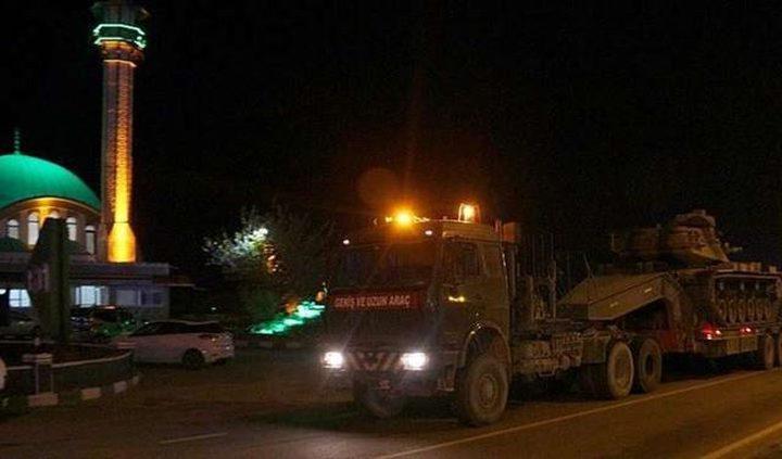 تركيا ترسل دبابات وكاسحات ألغام إلى حدودها مع سوريا