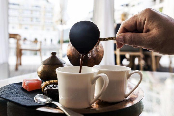 أخطاء يقع فيها الناس عند طلب أو شرب القهوة