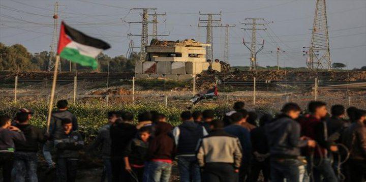 شبان يدمرون موقعا لقناصة الاحتلال على حدود غزة