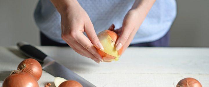دراسة : فوائد قشر البصل تفوق فوائد البصل نفسه!
