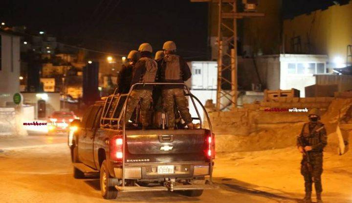 وفاة شخص أثناء إطلاق نار على مركز شرطة الرام شمال القدس
