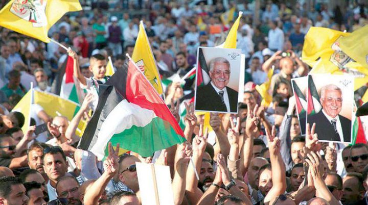 """""""ثوري فتح"""" يؤكد الالتفاف حول الرئيس عباس"""