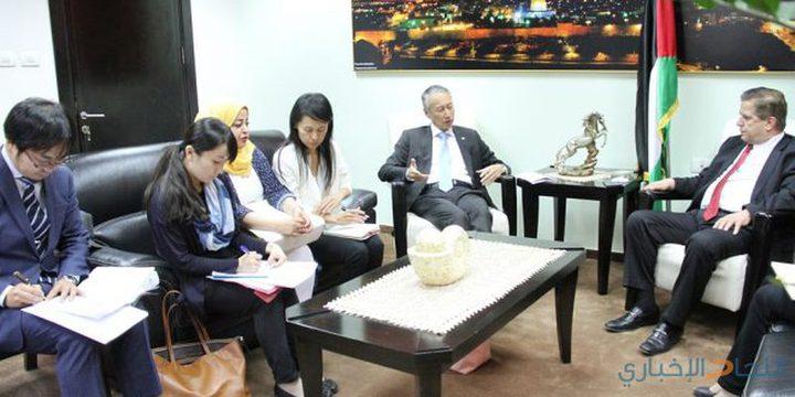 وزير الصحة يثمن دعم اليابان المتواصل للقطاع الصحي