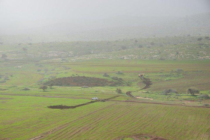 جرافات الاحتلال تدمر محاصيل المزارعين في الاغوار
