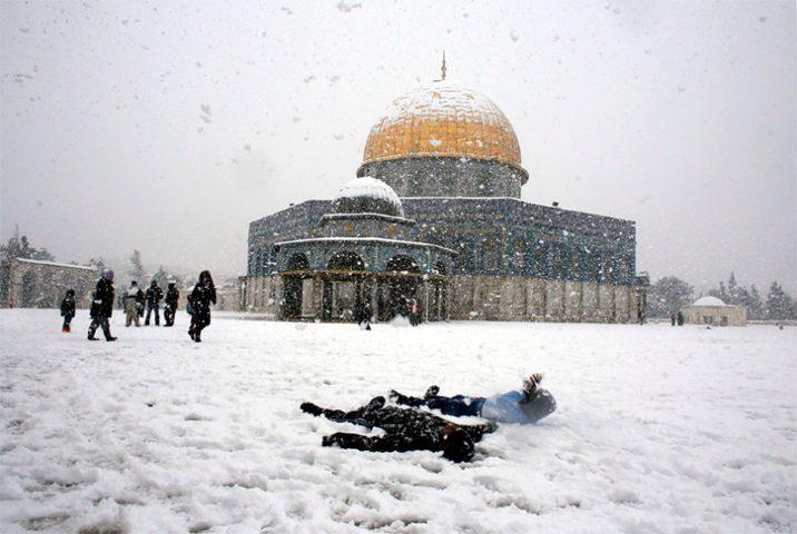 استعدادات القدس لاستقبال الثلوج