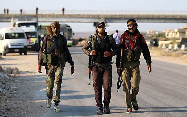 اعتراف اسرائيلي بتزويد الجماعات المتمردة في سوريا بالسلاح